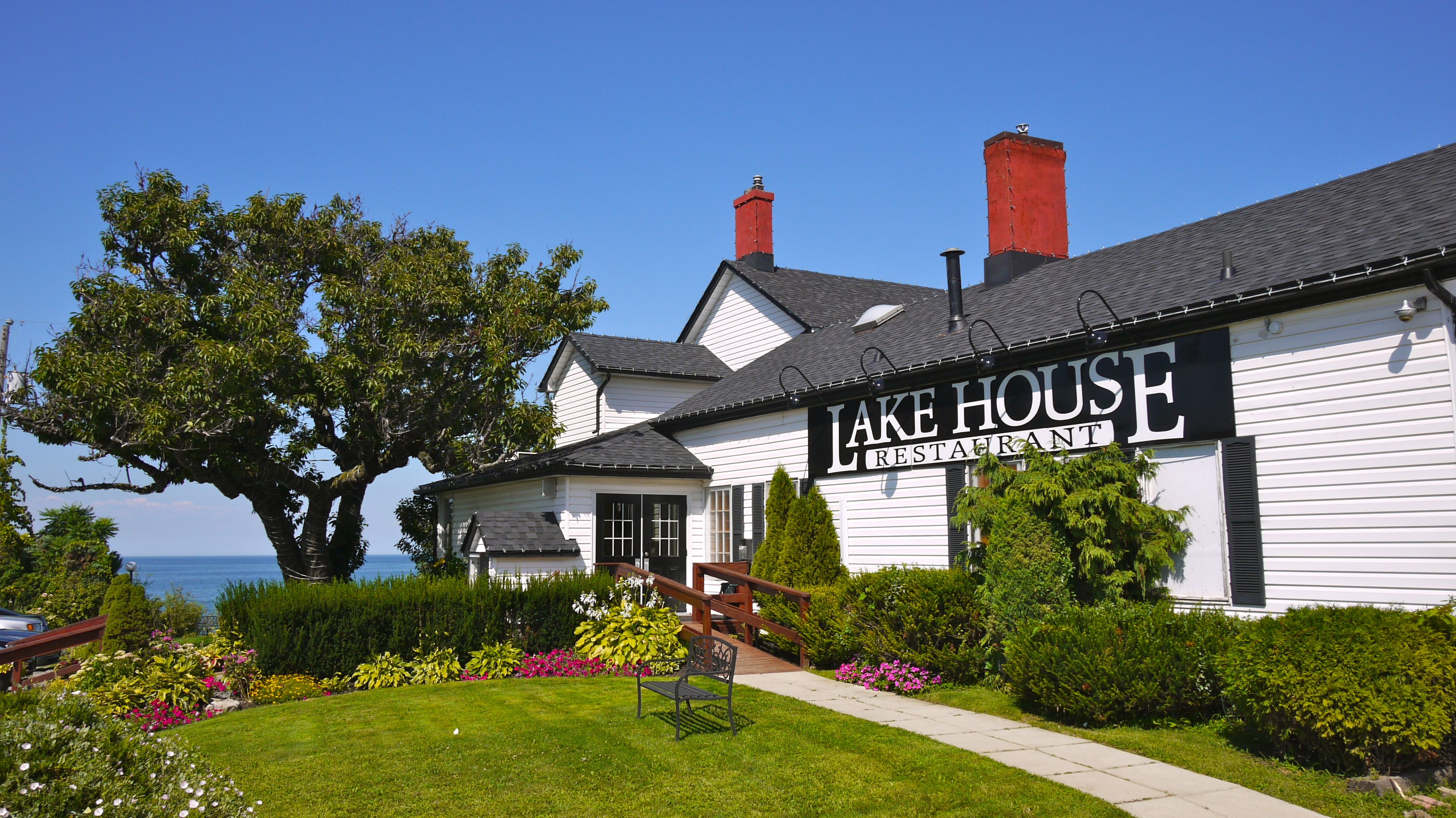 Gallery lakehouse restaurant for Home restaurant